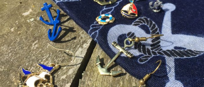 Nautical accessories - anchor up and sail away